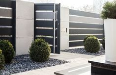 Gate Wall Design, House Fence Design, House Main Gates Design, Front Gate Design, Gate Designs Modern, Modern Fence Design, Modern Gates, Modern Zen House, House Front Gate