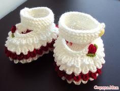 Botines tejidos a crochet para bebe02
