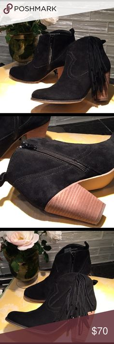 Steve Madden Bootie Steve Madden poncho black suede ankle booties with stacked heel. They are a size 6 1/2 and are in excellent condition. Only worn twice! Just not my style! I purchased them at Nordstrom's department store for $140 not including tax. I wish I would've found them on Poshmark . Steve Madden Shoes Ankle Boots & Booties