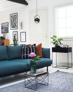Oman malliston Pesä-sohva suunnittelijan Sonjan kodissa.