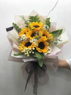 Beautiful Flower Arrangements, Floral Arrangements, Amazing Flowers, Beautiful Flowers, Bloom Baby, Sunflower Bouquets, Flower Packaging, Luxury Flowers, Giant Paper Flowers