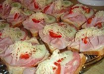 Slaninová pomazánka na chlebíčky Czech Recipes, Ethnic Recipes, Cooking Recipes, Healthy Recipes, Appetisers, Canapes, Food 52, Graham Crackers, Potato Salad