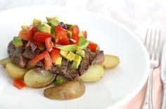 Vandaag weer gewoon even een aardappel-groenten-vlees recept online, maar dan met een zomerse twist. Zo'n receptje wat je prima kan maken na een lange werkdag,
