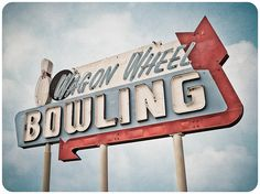Wagon Wheel Bowling by Shakes The Clown, via Flickr