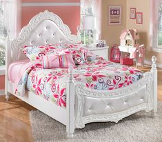 Exquisite Full Poster Bed by Signature Design by Ashley