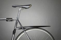The MUSGUARD Rollable Bicycle Fender | Yatzer (photo © Musguard)
