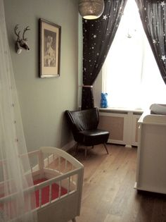 Babykamer mintgroen stoel om te voeden babykamer for Gordijnen babykamer mintgroen