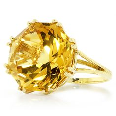 Estate 16.50 Carat Octagonal Round Citrine Solitaire Ring in 18kt Yellow Gold #Unbranded #Solitaire