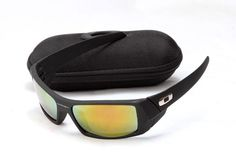Oakley Gascan Black Frame Yellow Lens AAA Sunglasses is very popular for men, who aleays wearing Oakley sunglasses do sport.