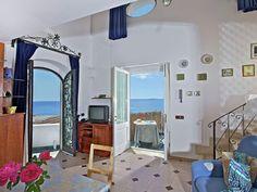 Gorgeous Sea View Holiday Home in Positano, walk of Arienzo Beach, offers free parking, terrace, free WiFi. Amalfi Coast Positano, Positano Italy, Free Wifi, Tour Guide, Travel Guides, Terrace, Gallery Wall, Tours, Sea