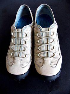 Privo by Clark's Walking Shoes size 9.5 M Women's Beige Trek Hiking Tread #PrivobyClarks #Slipon #Casual