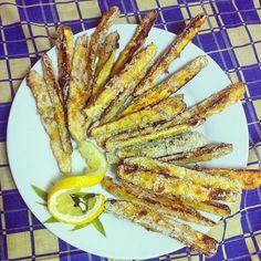 Pepi's kitchen: Κολοκυθάκια τηγανιτά στο φούρνο Greek Recipes, Food Network Recipes, Finger Foods, Zucchini, Bacon, Low Carb, Snacks, Vegetables, Cooking