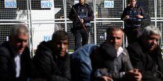 #Turkish police detain senior pro-#Kurdish party #lawmaker