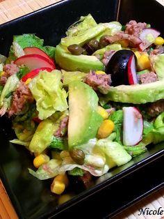 SALATA DE TON CU PORUMB Fruit Salad, Cobb Salad, Desert Recipes, Potato Salad, Deserts, Food And Drink, Cooking Recipes, Meals, Vegan