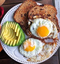 Cauliflower Gnocchi Plant Based Breakfast Eggs, toast, and avocado for a quick breakfast this morning 🤗 Basically the same meal as yesterday but with cinnamon raisin toast instead of … Plant Based Breakfast, Breakfast Plate, Savory Breakfast, Breakfast Recipes, Snack Recipes, Balanced Breakfast, Breakfast Options, Vegetarian Breakfast, Clean Eating Snacks