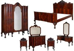 For Sale on - Important Venetian Chippendale-Baroque Revival bedroom set in carved walnut and burl walnut applied. Original mirrors and handles. Discount Bedroom Furniture, Bedroom Furniture Sets, Bedroom Sets, Bedroom Decor, 1930s Furniture, Mid Century Modern Furniture, Furniture Design, Walnut Bedroom, Antique Restoration