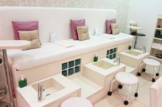 Pedicure Station - Idea for extra Manicure station