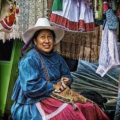 Mujer artesana del municipio de Amealco Photo by Dante Botello -- National Geographic Your Shot