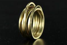 gouden wikkel ring 6 baans goudsmid juwelier Marijke Mul Haarlem