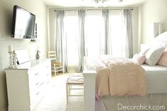 Pink + Grey Bedroom.... Teen girl would love this!