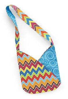 Grab two of your two favorite fabrics to make a fabulous summer bag. For this version of Fresh Start, project tester Jan Ragaller chose two prints, a multicolor chevron and a tone-on-tone coordinate, from the Stitch organic cotton collection by Betz White for Robert Kaufman Fabrics. [1] [1] http://www.robertkaufman.com