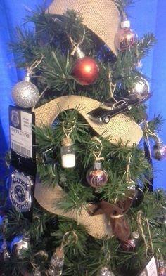 Supernatural Crafts, Supernatural Party, Supernatural Christmas, Supernatural Merchandise, Christmas Tree Themes, Halloween Decorations, Christmas Diy, Christmas Wreaths, Christmas Ornaments