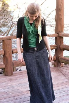 Fresh Modesty: Awesome denim maxi skirt.  (This girl has some other really cute ideas for dressing modestly AND fashionably.)