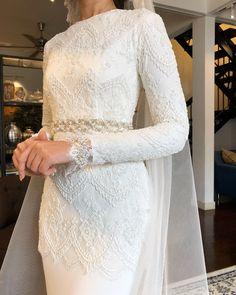 So pretty by Malay Wedding Dress, Kebaya Wedding, Muslimah Wedding Dress, Muslim Wedding Dresses, Dream Wedding Dresses, Wedding Attire, Wedding Gowns, Bridal Outfits, Bridal Dresses