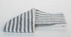 fascai in spugna a righe bianca e grigia. cm.8x21.