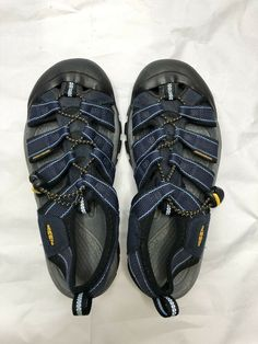 a4bc3b272fe76f   Keen Newport H2 Sandals - Men s Size 8.5 - Black Yellow DAMAGED