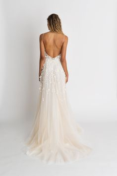 Shop Alexandra Grecco's unique collection of modern, romantic, and simple wedding dresses. a&bé bridal shop is an official Alexandra Grecco wedding dress retailer. Rustic Wedding Dresses, Black Wedding Dresses, Princess Wedding Dresses, Ball Dresses, Ball Gowns, Bridal Gowns, Wedding Gowns, Bling Wedding, Backless Wedding