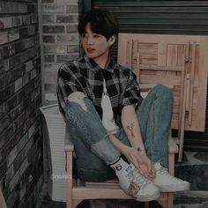 so much boyfriend material here Jungkook Abs, Jungkook Cute, Jungkook Fanart, Bts Taehyung, Bts Bangtan Boy, Foto Bts, Bts Photo, Jikook, Jungkook Aesthetic
