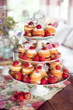 Victoria Sponge Cakes | Andrea Stolzenberger | Flickr