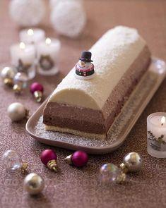 Bûche de Noël aux trois mousses au chocolat Creme, Biscuits, Food, Party Desserts, Dessert Recipes, Pastry Recipe, Drink, Crack Crackers, Cookies