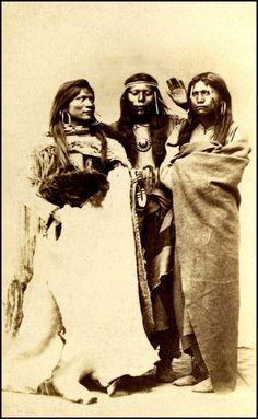 Three Paiute women. Photographed Salt Lake City, mid 1800s.#DiscoverNativeAmerica #AIANTASouthwest