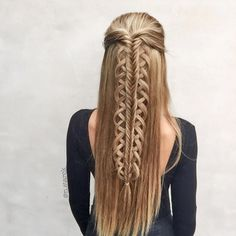 "4,186 Likes, 177 Comments - Nina Starck | Hairstyles (@n.starck) on Instagram: ""Since I love working with stacked braids I couldn't resist creating a style with a stacked Loop…"""