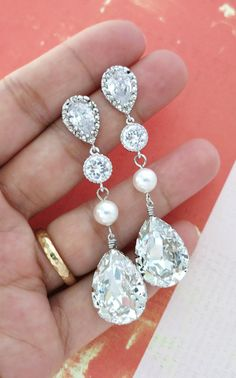 Swarovski Crystal Teardrop Earrings, Bridal Wedding Bridesmaid Earrings, Cubic Zirconia Pearl Earrings, White weddings jewelry, www.glitzandlove.com