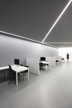 ARV Offices by Fran Silvestre Arquitectos | Office facilities