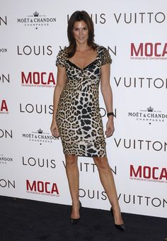 cindy_crawford-louis_vuitton_gala_murakami_exhibition_in_los_angeles-13_122_1170lo.jpg (475×686)