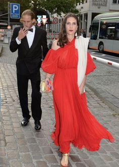 Andrea Casiraghi and Tatiana Santo Domingo attend the after-wedding party of Hereditary Prince Ernst August of Hanover, Duke of Brunswick-Lueneburg, and Ekaterina Malysheva at Luisenhof on July 2017 in Hanover, Germany. Princess Caroline Of Monaco, Princess Stephanie, Royal Fashion, Fashion Looks, Ernst August, Andrea Casiraghi, Caroline Kennedy, Monaco Royal Family, Queen Dress