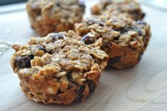 5 ingredient muffins! 2 bananas, 1/3 cup peanut butter, 1 tbsp cinnamon, 2 cups oatmeal, 1/3 cup raisins (or chocolate chips!)
