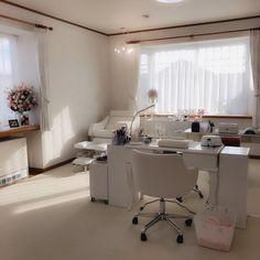 Home Nail Salon, Hair And Nail Salon, Nail Salon Design, Salon Interior Design, Beauty Room Salon, Beauty Room Decor, Ideas Decoracion Salon, Tech Room, Esthetician Room