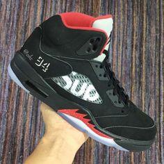 Supreme x Air Jordan 5 'BRED'
