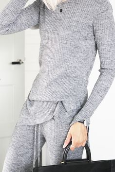 Relaxed, grey, knits | via: LA COOL & CHIC