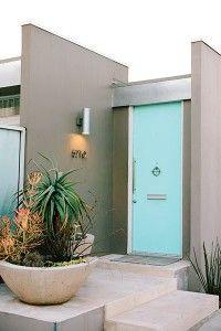 Ideas for modern front door plants mid century Exterior Paint Colors For House, Paint Colors For Home, Modern Exterior, Exterior Design, Grey Exterior, Mid Century Exterior, Pintura Exterior, House Paint Color Combination, Modern Front Door