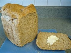 Basic Honey Whole Wheat - Large 2 Lbs. - Cuisinart Original = SO GOOD! I'm so happy we have a bread maker, I can't wait to try more Cuisinart recipes :) Breadmaker Bread Recipes, Wheat Bread Recipe, Bread Maker Recipes, Savoury Baking, Bread Baking, Original Bread Recipe, Honey Oat Bread, Bread Maker Machine, Muffins