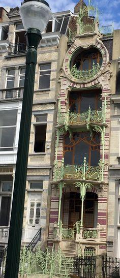 Art Nouveau - Maison Saint Cyr - Bruxelles - Construite en 1903 par - peinture de facade maison