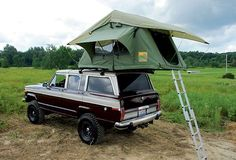 View 129 1007 Jeep Grand Wagoneer Family Camper+rooftop Tent - Photo 27783581 from Camper Special - 1988 Jeep Grand Wagoneer Family Camper Jeep Camping, Camping Stuff, Vintage Jeep, Vintage Trucks, Offroader, Jeep Wagoneer, Cool Jeeps, Roof Top Tent, Top Tents
