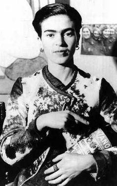 Frida Kahlo y Cinzano