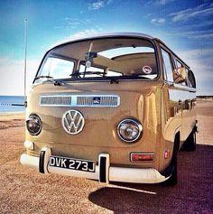 Love this colour Vw Camper, Low Lights, Campervan, Vans, Colour, Vehicles, Color, Van, Car
